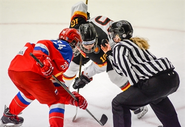 U16 women battle it out
